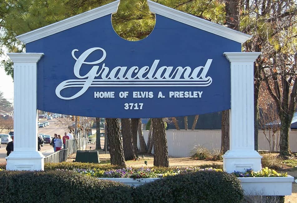 Graceland, home of Elvis Presley, sign