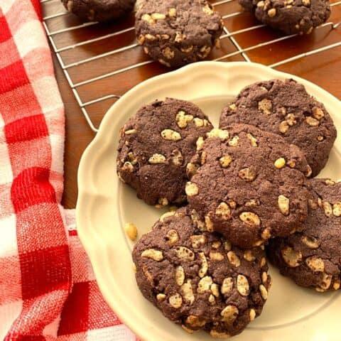Plate of chocolate crisp cookies