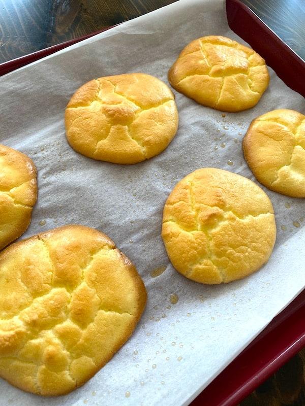 Baked cloud bread