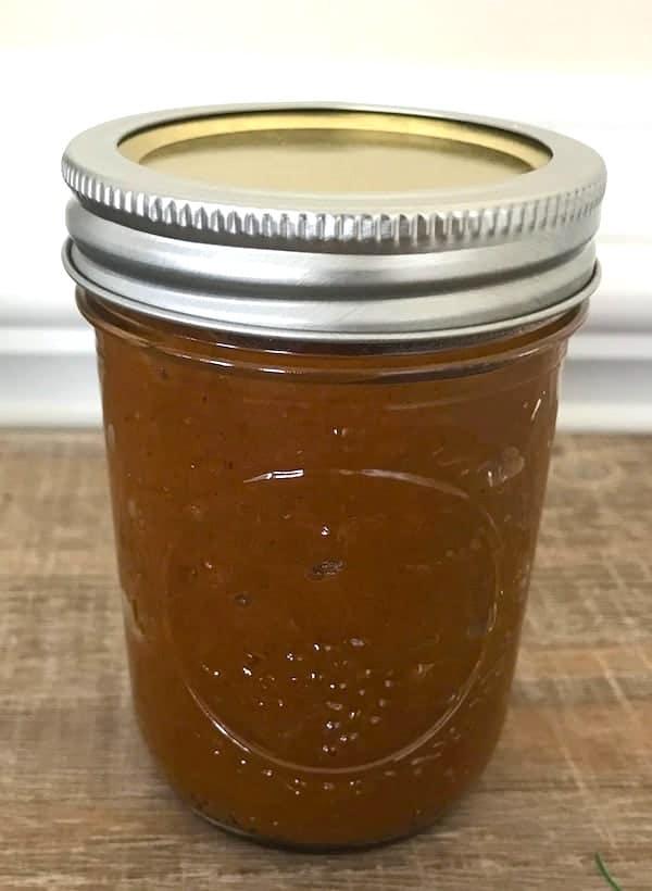 Mason jar of pumpkin butter