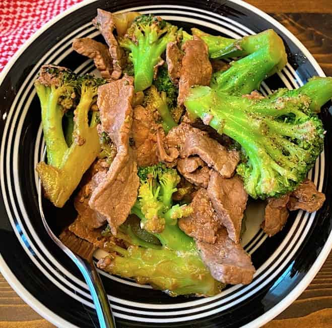 Stir fry beef and broccoli in a bowl