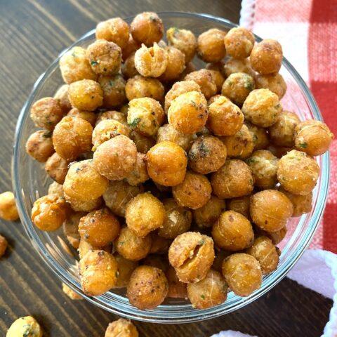 bowl of air fryer chickpeas