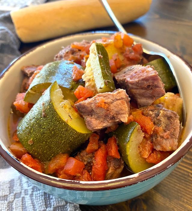Mediterranean beef stew and bread