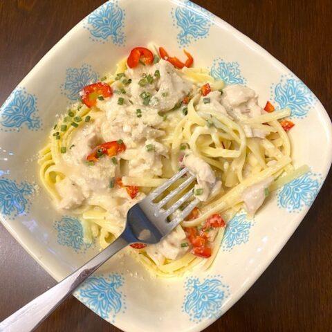 plate of chicken fettuccini alfredo